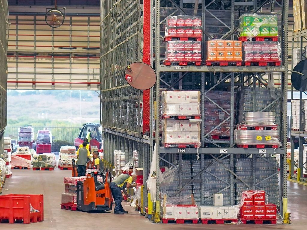 Logistics for bevarage manufacturers warehouse to increase efficiencies